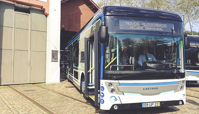 """Novos autocarros CAETANO """"amigos do ambiente"""" entram em circulação no Porto"""